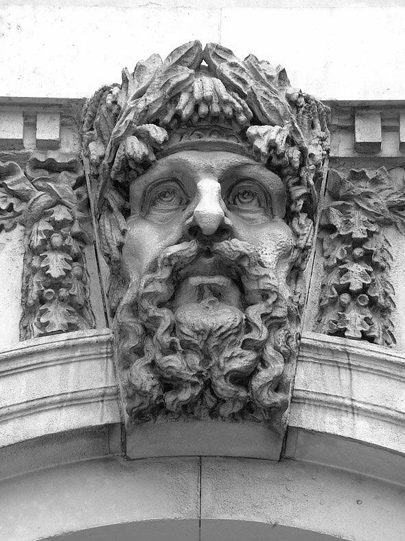 """Restauration der Skulpturen am """"Custom House"""", Dublin"""